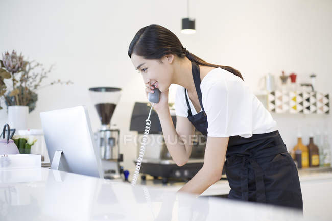 how to talk to a girl working at a coffee shop