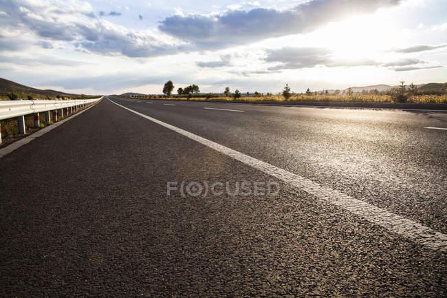 Malerischer Blick auf die Autobahn in der inneren Mongolei Provinz, China — Stockfoto