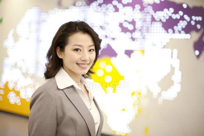 Porträt einer chinesischen Geschäftsfrau — Stockfoto