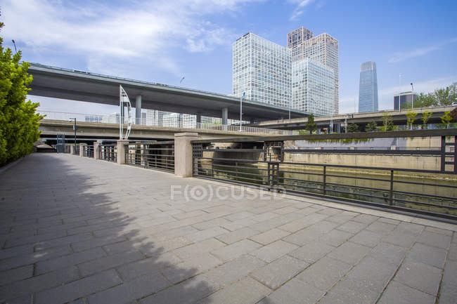 Urban scene of bridge and buildings in Beijing, China — Stock Photo