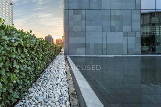 Обрізаний видом на центр міста архітектури Пекіні — стокове фото