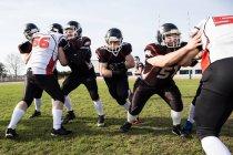 Jogadores de futebol, lutando pela bola — Fotografia de Stock