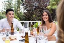 Friends have outdoor party — Stock Photo