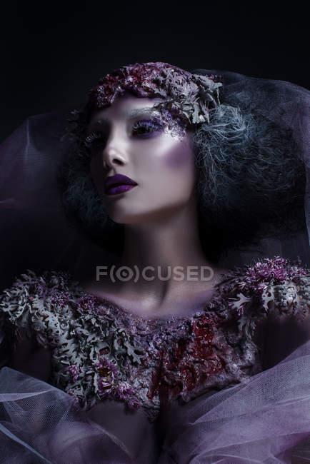Портрет жінка з фантазії макіяжу та боді-арт — стокове фото