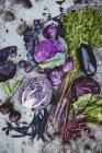 Produtos hortícolas orgânicos frescos e saudáveis — Fotografia de Stock