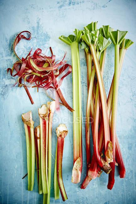 Fresh organic rhubarb stalks — Stock Photo