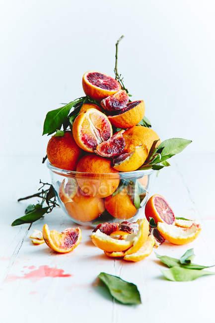 Fresh ripe oranges and grapefruits — Stock Photo