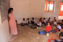 Школи класі повний учнів — стокове фото