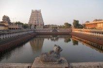 Majestic north entrance tower of the chidambaram temple (circa 12th century AD) — Stock Photo