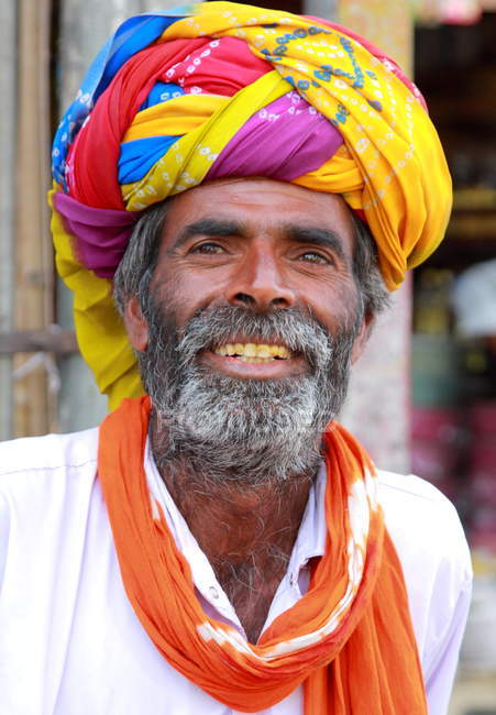 Lokalen tribal Mann in Ajmer — Stockfoto