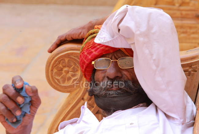 Local man in Jaisalmer. India. Rajasthan state — Stock Photo