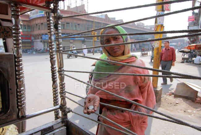 Невідомі Індійська жінка на вулиці, Jodhpur — стокове фото