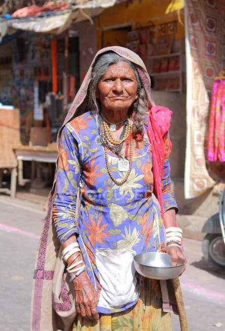 Indische Frau in Sari in Pushkar — Stockfoto