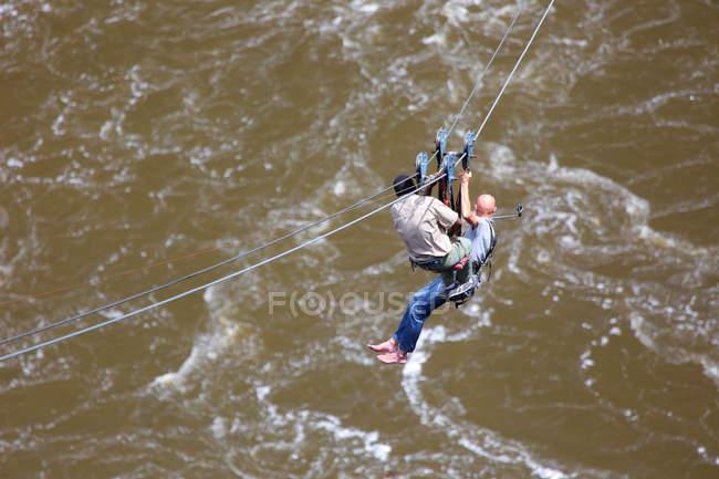 Мандрівники на тросах, польоти на тросах через річці Замбезі — стокове фото