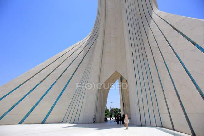 Azadi-Turm auf dem Azadi-Platz in Teheran — Stockfoto