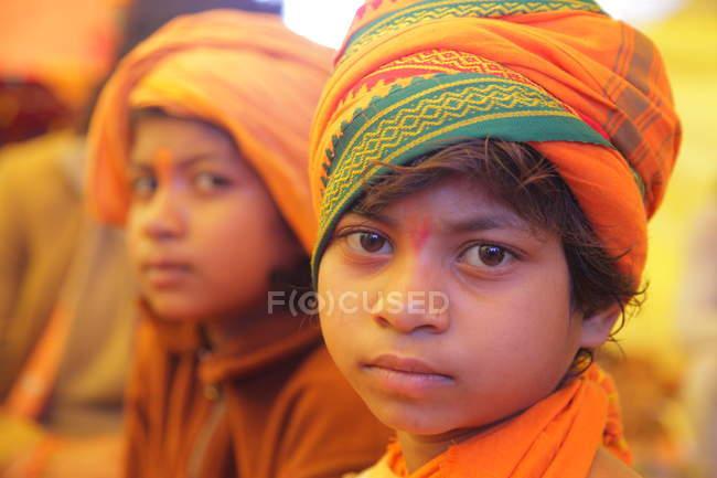 Nicht identifizierte einheimische Kinder im Staat Andhra Pradesh Tirumala, Indien — Stockfoto