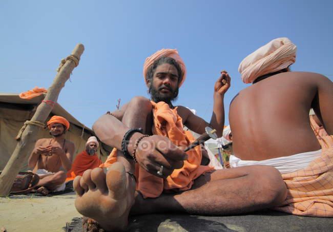 Місцеві жителі Kumbh Mela фестивалі поблизу Аллахабад в Індії, Уттар, Прадеш держави — стокове фото