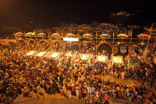 Unidentified local people at Kumbh Mela festival near Allahabad,India — Stock Photo