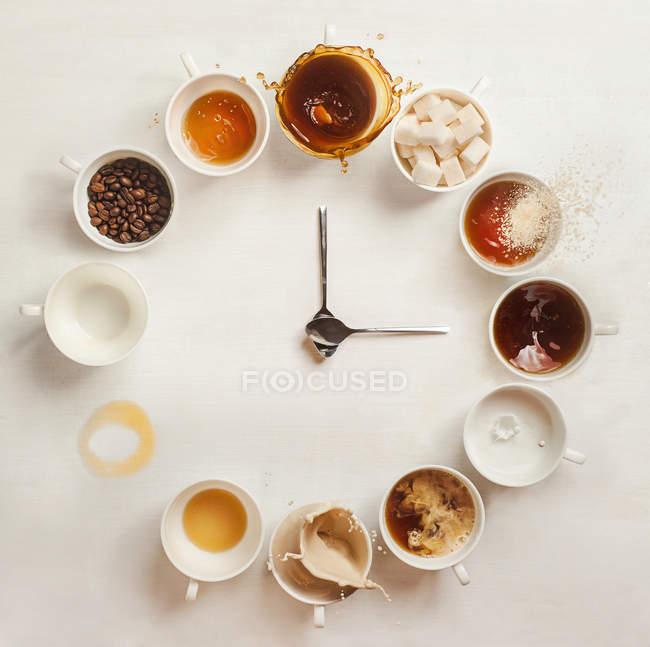 Kaffeetassen Ziffernblatt — Stockfoto