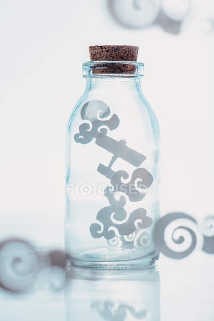 Папір хмари в jar — стокове фото