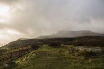 La brume au-dessus des montagnes — Photo de stock