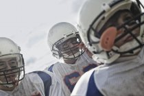 Jogadores de futebol em uniforme esportivo — Fotografia de Stock