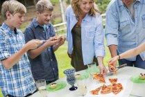 Відкритий Сімейна урочистість і пікнік — стокове фото