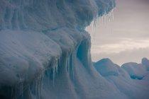 Красиві величезний айсберг — стокове фото