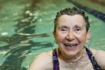 Woman in swimming pool. — Stock Photo