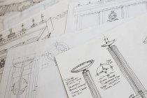 Dibujos de diseño para un cuenco de madera tallada - foto de stock