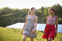 Young girls on farm — Stock Photo