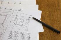 Dibujos de diseño para un gabinete - foto de stock