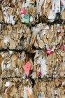 Instalação de reciclagem com feixes — Fotografia de Stock