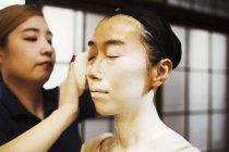 Сучасні гейші готує традиційні моди — стокове фото