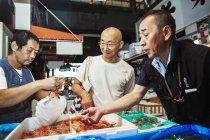 Traditional fresh fish market — Stock Photo