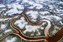 Serpenteantes canales de agua - foto de stock
