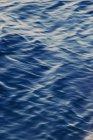 Поверхню океану з брижі на воді — стокове фото