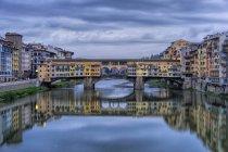Ponte Vecchio medieval stone arch bridge — Stock Photo