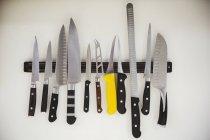 Вибір Ножі на магнітну смугу — стокове фото