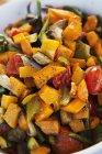 Schüssel mit buntem Gemüse. — Stockfoto