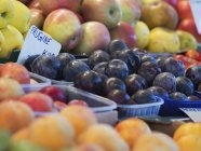 Market stall and fresh produce. — Stock Photo