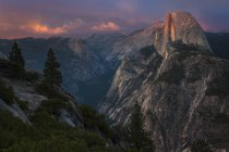 View of Half Dome rock formation — Stock Photo
