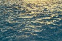 Поверхні води океану з хвильовий, повний кадр — стокове фото