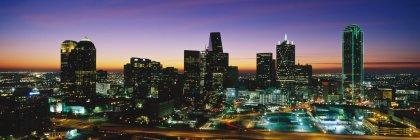 Grattacieli della città nel centro di Dallas, Stati Uniti — Foto stock