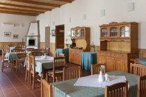 Palmse Manor elegant dining room, Estonia — Stock Photo