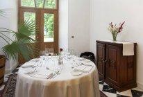 Elegant dining table in Pdaste Manor interior, Estonia — Stock Photo