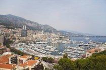 Festgemachten Schiffe und Boote im Hafen von Monaco — Stockfoto