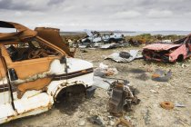 Abandoned cars and wrecks in junkyard at Orkney Islands, Scotland, UK — Stock Photo