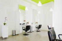Vacant beauty salon in Seattle, Washington, USA — Stock Photo