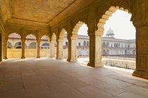 Agra Fort columns and arches, Agra, Uttar Pradesh, India — Stock Photo